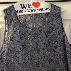Woman's sleeveless lace top